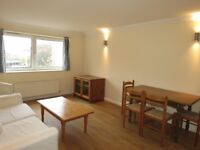 2 Bedrooms 2 Bathrooms Flat Located in The Heart of Wimbledon!