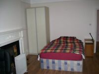 Huge Double Room, close to sea. All bills & WI-FI