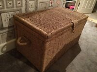 @@EXTRA LARGE HEAVY WICKER BLANKET BOX/TOY TRUNK/STORAGE UNIT@@