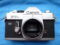 Beautiful Showroom Condition Vintage Canon FTb QL 35mm SLR Camera