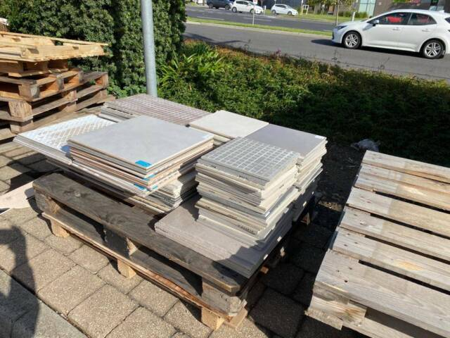 free tiles from kalessi bathroom and tiles | Building ...