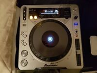 Pioneer CDJ-800MK2 Cue/Play Buttons Need Fix, Flight Case Included