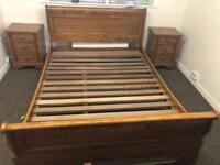 Willis & Gambier Kingsize bed * free furniture delivery *
