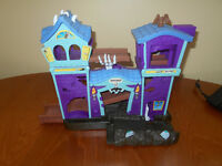 Matchbox Hero City Haunted House Playset by Mattel, Halloween house