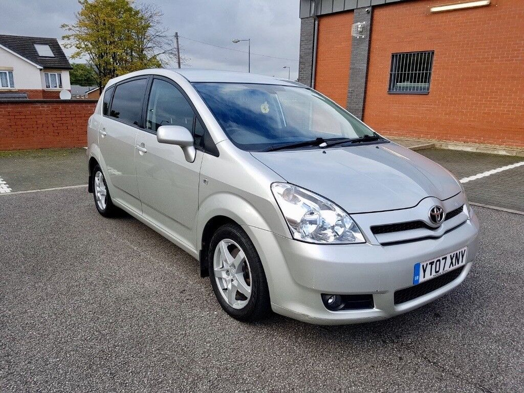 TOYOTA COROLLA VERSO 2.2 D4D DIESEL FULL SERVICE HISTORY 2 KEYS 7 SEATER EXCELLENT CONDITION £2890