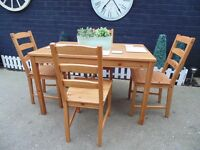 IKEA PINE DINING TABLE WITH 4 IKEA PINE CHAIRS SOLID SET IN EXCELLENT CONDITION 120/75/75 cm £60