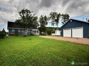 199 700$ - Maison à un étage et demi à vendre à Ste-Anne-Du-