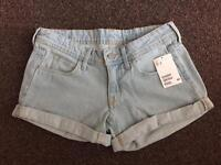 Brand New With Tags H&M Size 6 / Eur 34 Denim Shorts