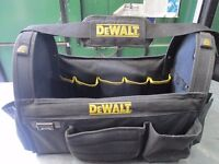 De Walt tool bag ,used but in good condition