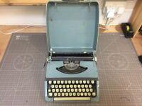 Beautiful 1930's Brother typewriter in box