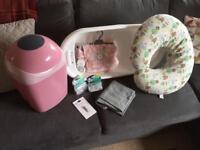Starter set / Baby Accessories / Bath / Nappy Bin / Feeding Support Pillow