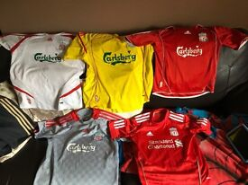 Assorted liverpool tops good cond ages 7to 9 job lot. £20