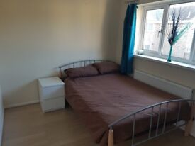 Double room in 2 bed house *available now*