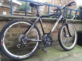 Scott sportster mountain bike/commuter black/white in good condition RRP 599
