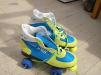 ROLLER SKATES FREE SPIRIT 4 WHEEL SKATES WITH STOPPER u,k SIZE 9