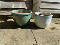 2 clay outdoor pots