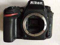 NIKON D7100 DSLR CAMERA BODY ONLY EXCELLENT CONDITION COME WHIT BATTERY CHARGER TRAP