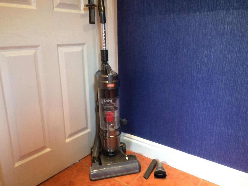 AS NEW Vax Air Pets Bagless Vacuum Cleaner Hoover