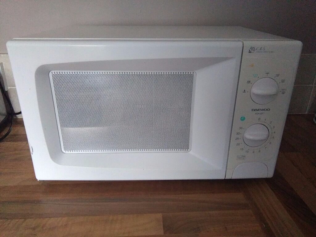 DAEWOO Mechanical Microwave 20Lin Wolverhampton, West MidlandsGumtree - DAEWOO Mechanical Microwave Model KOR63F7 White 20Litre 700W Power Level 7 35minutes dual speed timer 12kg Dimensions D 36.2 , L46.5, W27.9CM Turntable type Push handle Used but in great working Condition. Collection or delivery can be Arranged...