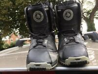 Vans USA great snowboarding boots size 9 uk size