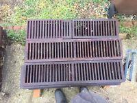 60 Cast iron drainage grates