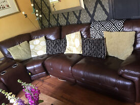 Fantasic 10 seater sofa for sale! Perfect for big homes with built in recliners and drinks chiller!!