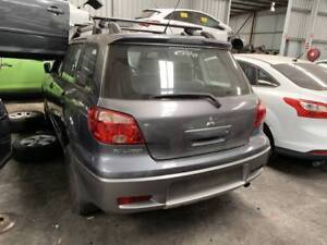 269 - Mitsubishi Outlander 2005 wrecking Welshpool Canning Area Preview
