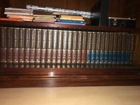 Full set of Encyclopedia Britannica. Pristine. 1981 incl Year Book
