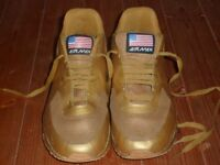 RARE WOMENS GOLD NIKE AIR MAX USA TRAINERS - SIZE 7