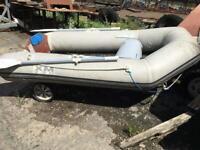 Xm230 boat