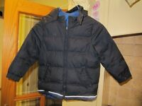 Boys hooded padded jacket, aged 5 years, Duck and Dodge brand. Great condition. Grab a bargin.
