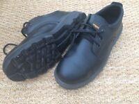Men's Trojan safety shoes - black size 9