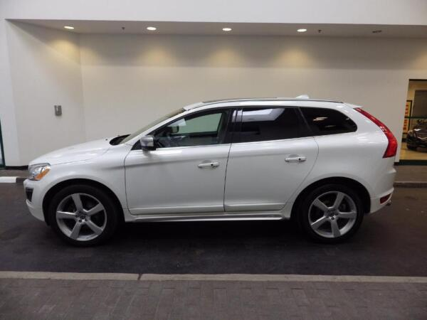 volvo xc60 r for sale canada. Black Bedroom Furniture Sets. Home Design Ideas