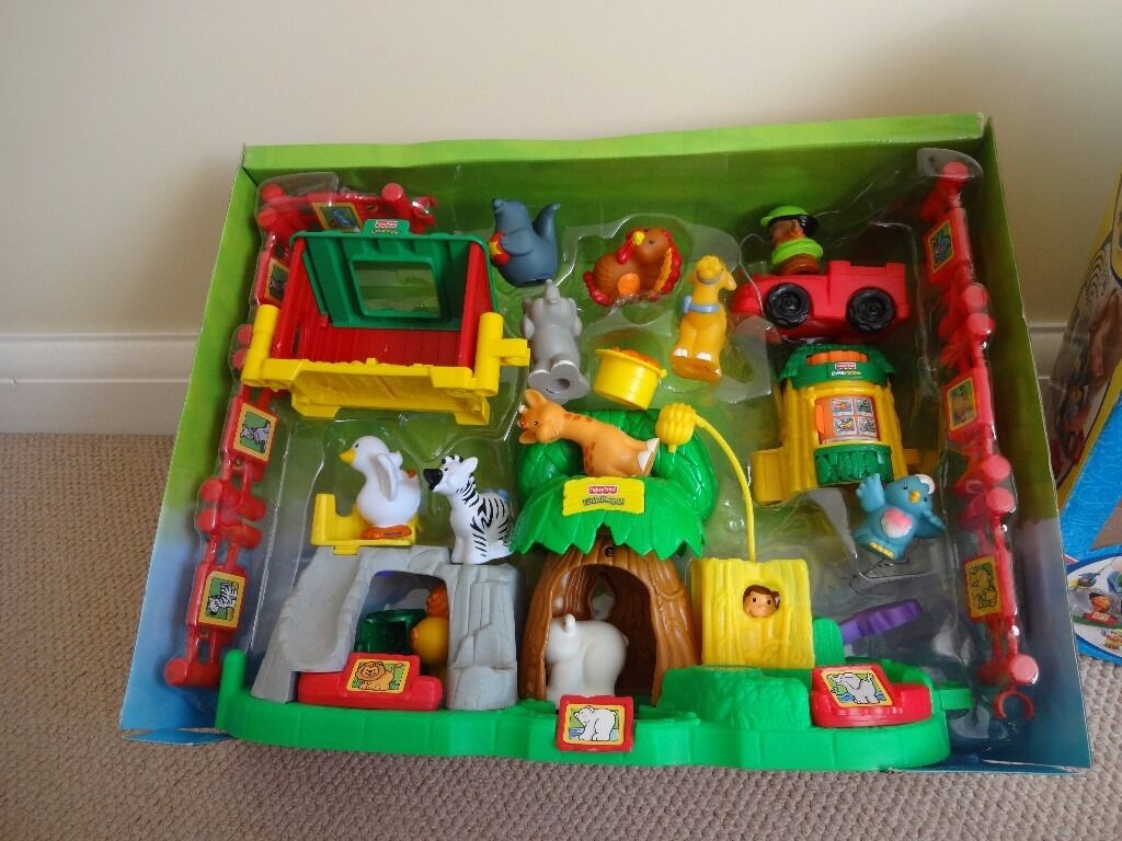 Kids Toy for Sale, Fisher Price Little People, Animal Friends gift set, exc. cond. Boxed25in Heaton Moor, ManchesterGumtree - Toy for sale Fisher Price Little people Animal Friends Gift Set Excellent Condition Boxed Press down on each footprint to hear animal sounds. Monkey plays peek a boo. Listen to the birds song. 12 different Zoo animals 3 different characters must...