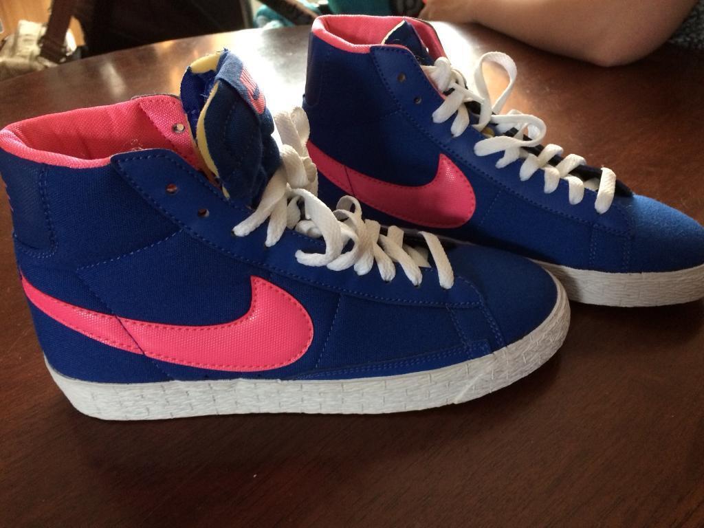 Nike hightops size 5