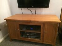 Solid Oak TV Unit - 110 x 55cm - Excellent Condition