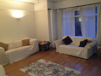 Ashley Cross - Good-Size Double Room in Amazing Character Maisonette
