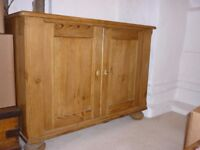 Beautiful Antique Pine Welsh Dresser And 2 Ercol Dining Chairs