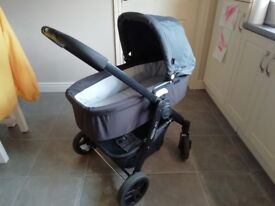 Graco travel system, forward and backward facing with carrycot, car seat, raincover and footmuff