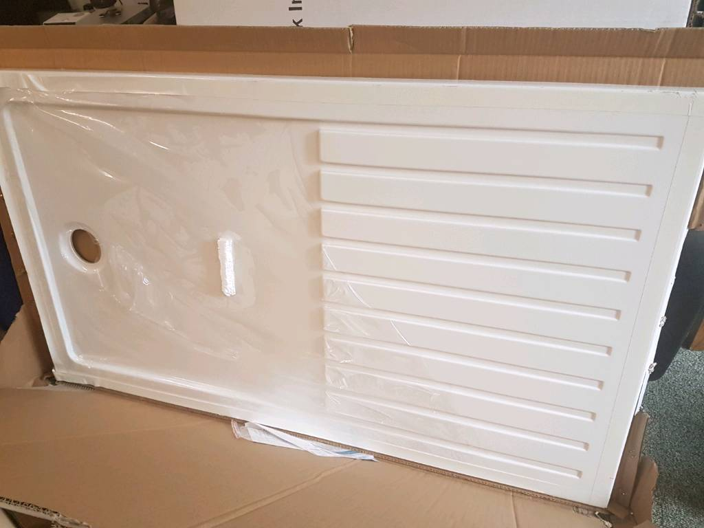 Brand new boxed and sealed 800x1400mm shower tray with waste