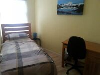 Small room to rent near train station