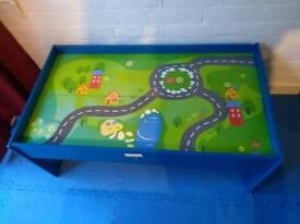 Play Table / Train Table