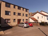 Bright and spacious unfurnished 2-bed flat with parking in heart of Portobello - available now £795