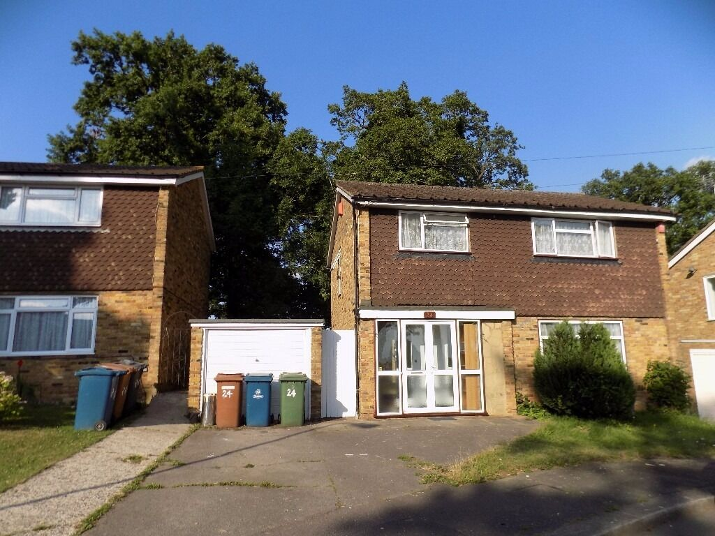 Immaculately presented three-bedroom detached house in Hatch End