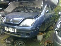 2002 RENAULT SCENIC 1.4 16V PETROL BREAKING FOR PARTS