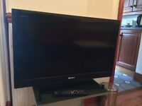 LCD digital colour TV, model no KDL-32CX523