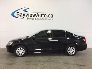 2014 Volkswagen JETTA - 5 SPEED! 2.0L! LOW KM'S! GAS BUDDY!