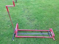 Ride on Lawnmower tilt stand