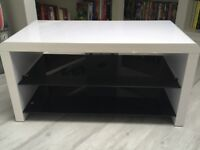 White TV Stand in Very Good Condition