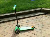 Genuine micro scooter - green